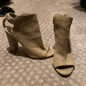 Vince peep toe ankle boots grey suede eU 40 US 9